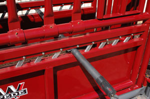 Manual Stampede Steel Cattle Chute Clickers