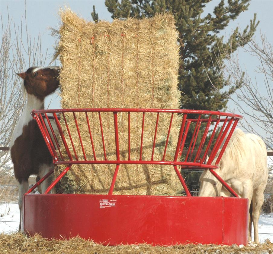 Titan West Portable Ezmt Hay Wagon Feeders And Bextra